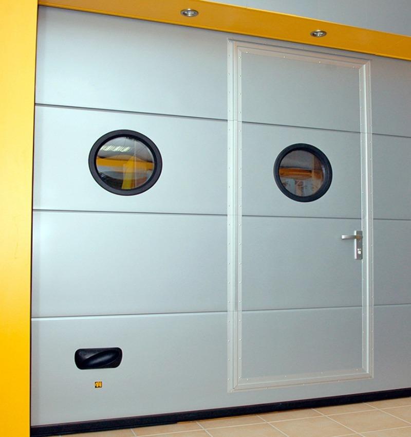 Porta da garage Ryterna - Porta integrata | NOVA SISTEM
